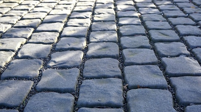 Advantages of Paver Patios & Walkways