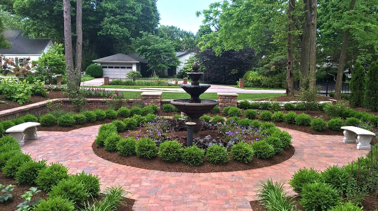 Not every person has a green thumb to make their yard look magazine-worthy.  Even those who do have this skill often struggle to find the time. - Spring Landscape Clean-Up & Summer Maintenance - Eagle Creek Nursery