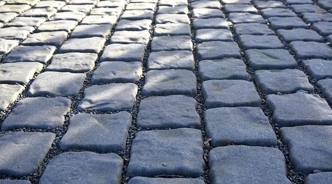 Advantages of Paver Patios & Walkways